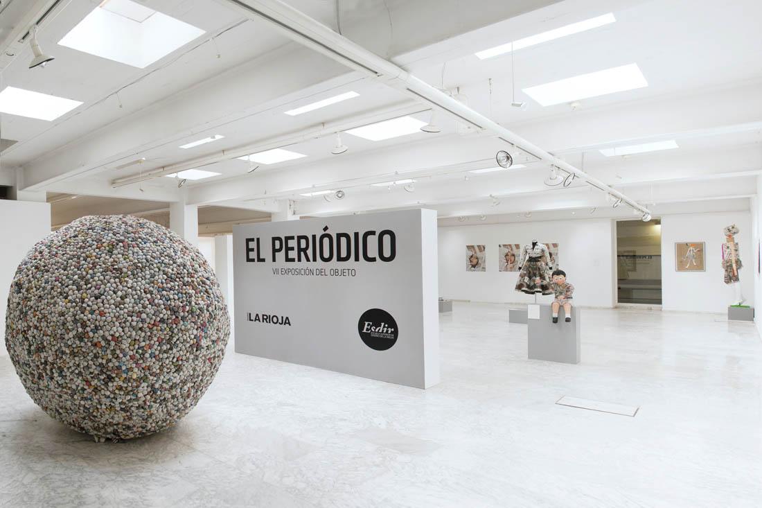 Fotografías de la VII Exposición del Objeto: EL PERIÓDICO (2013)