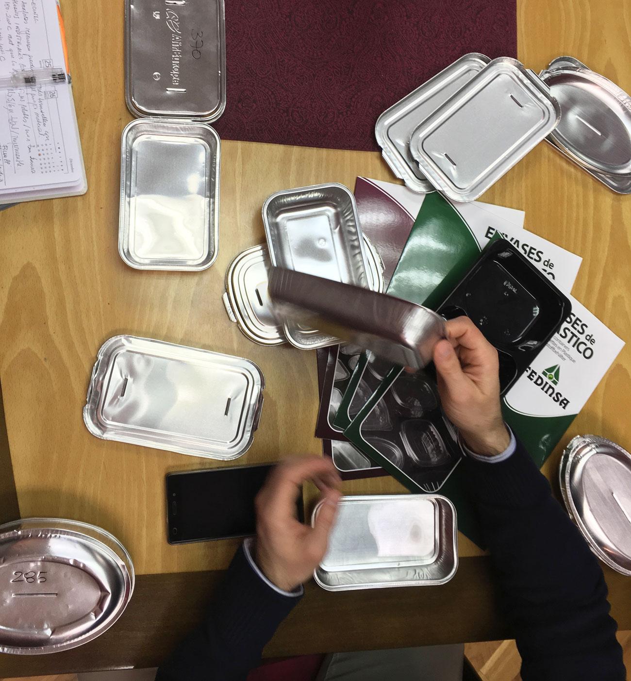 Visita del Máster de Packaging a Fedinsa, envases para alimentación.