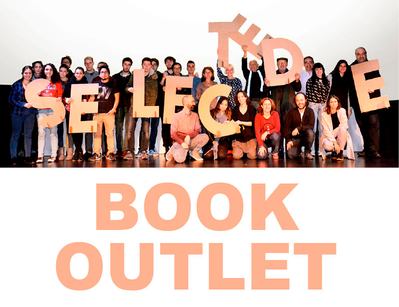 Expo outlet de Index book en los pasillos de la Esdir