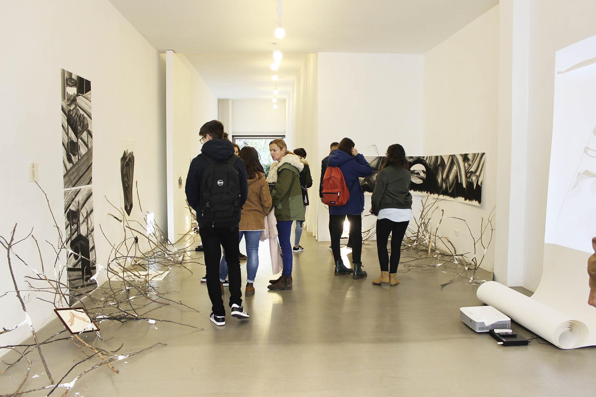 """Visita a la exposición""""Lo por hacer""""deBlanca Navas"""