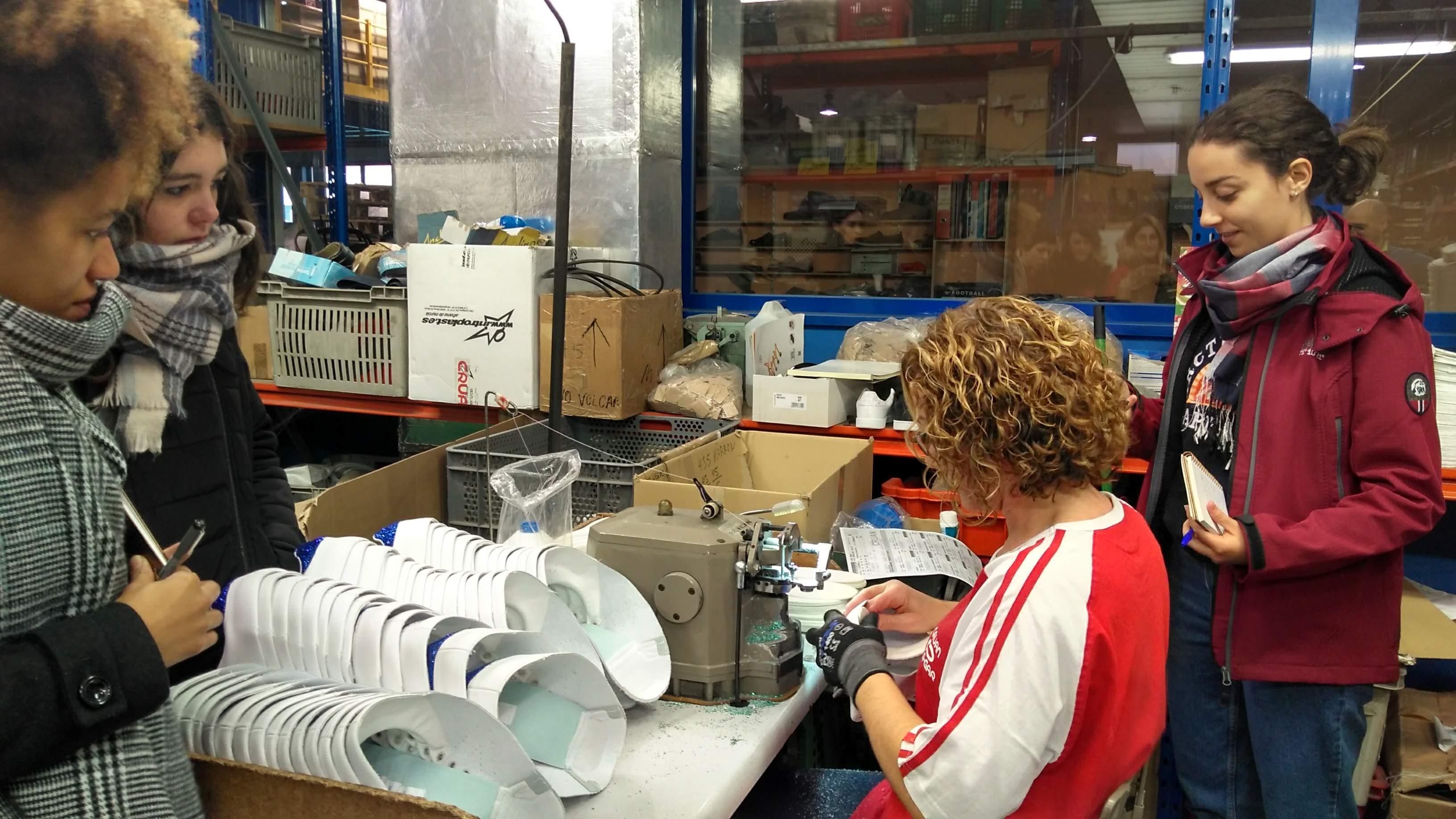 El Máster de Calzado visita la fábrica Cruan