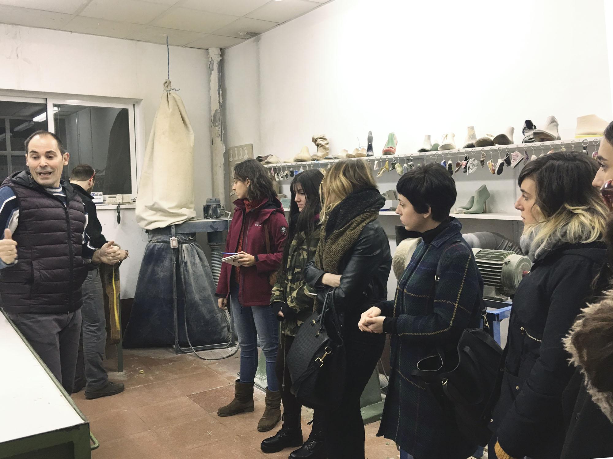 El Máster de Calzado visita varias fábricas en Arnedo