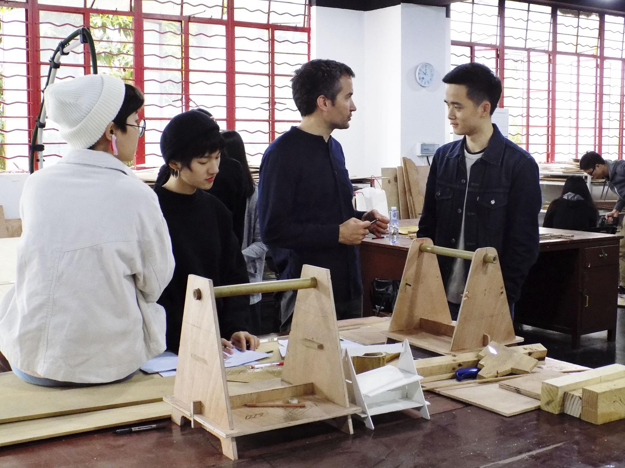 Conferencia Exploring Bamboo. Lunes a las 11h. en el Salón de Actos