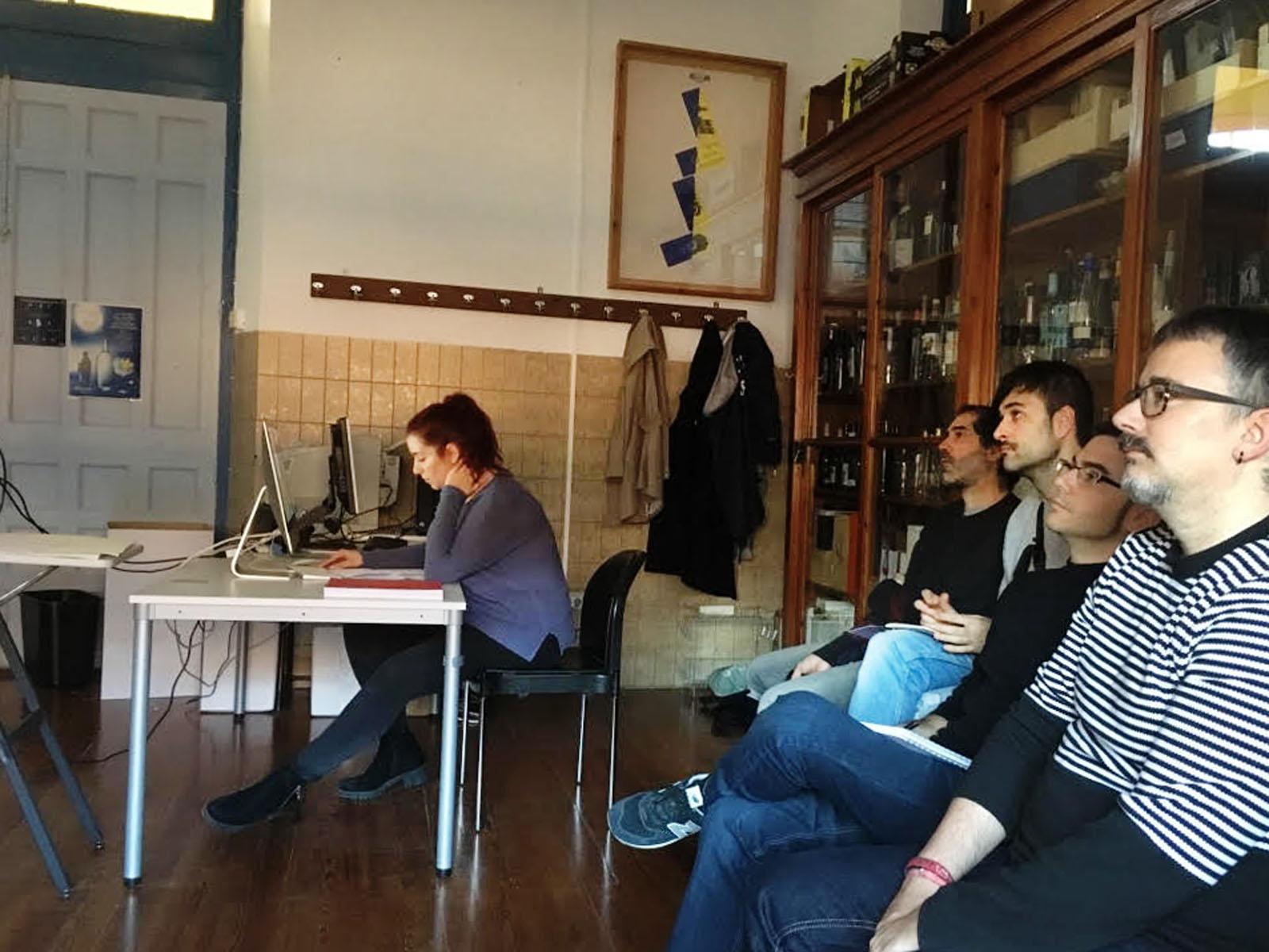 Presentación del primer proyecto de la asignatura de Diseño Integral de Packaging para la Industria Vitivinícola.