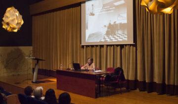 """Lourdes Cerrillo.  Conferencia """"Daniel González y el Club R-26"""""""