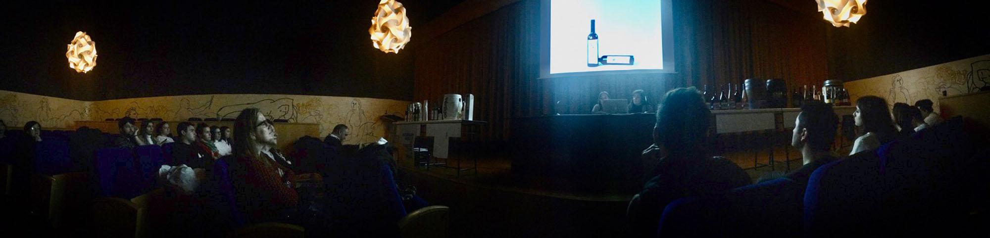 Presentación de los diseños del Máster de Packaging para los vinos de Enología de la UR