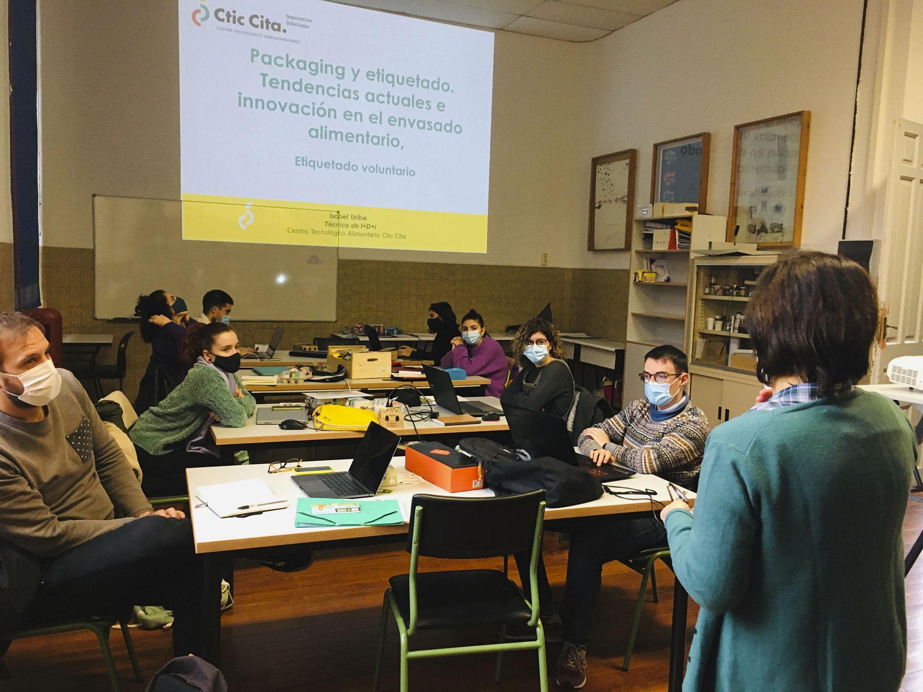 Segunda sesión sobre etiquetado y normativa con Isabel Uribe