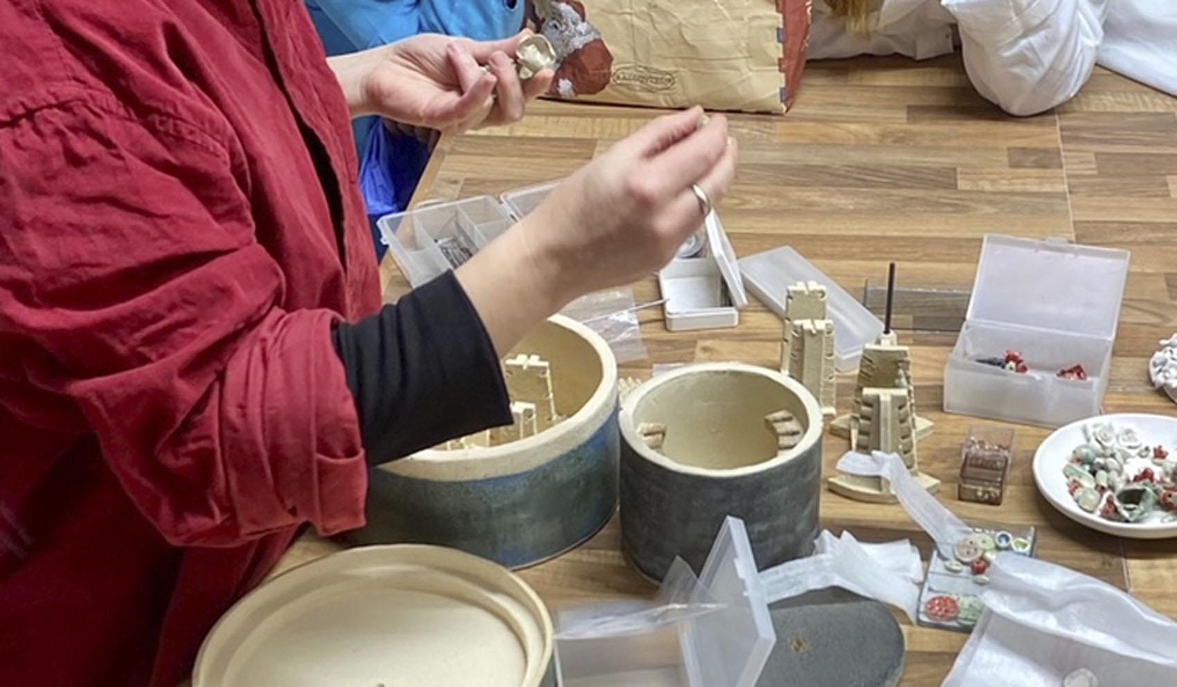 Joyería, complementos y cerámica con Miren Lore Garmendia.