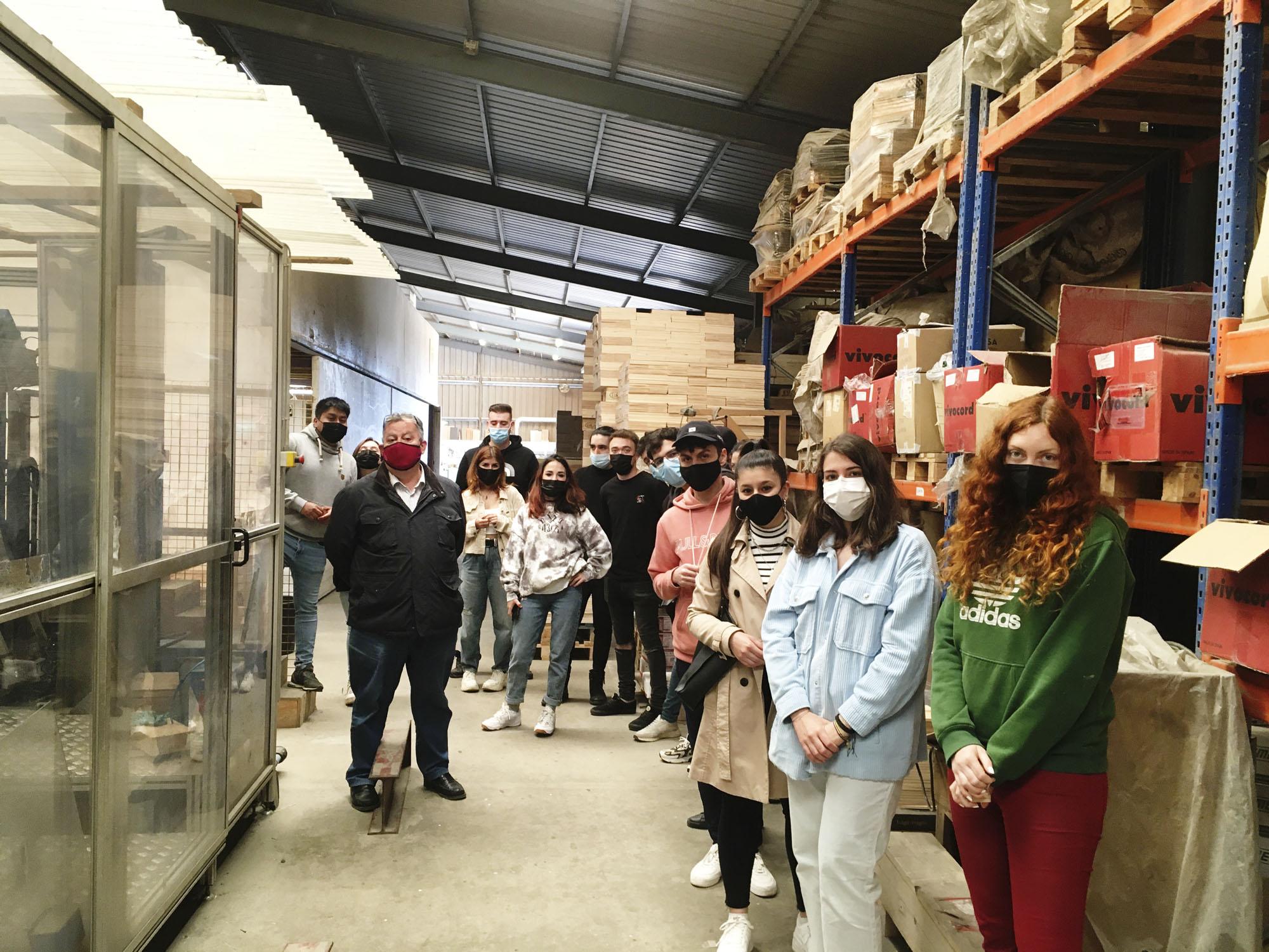 Envases y embalajes visita la fábrica Vargas