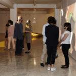 El Consejero de Educación visita la exposición LUZ AMARILLA