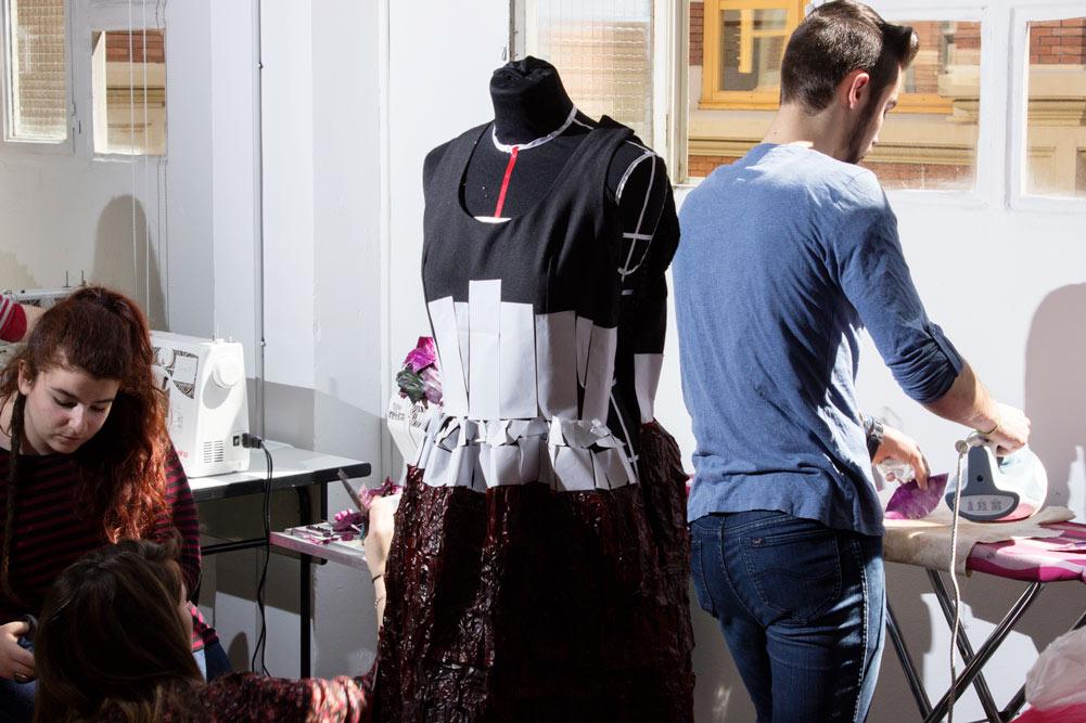 Elaboración de los vestidos para la Pasarela de la Verdura