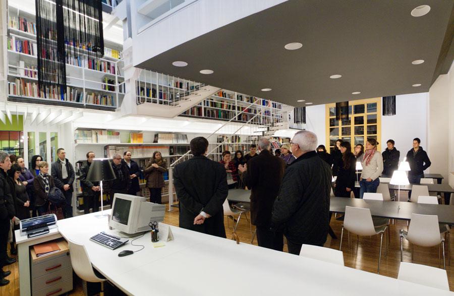 Inauguración de la biblioteca tras la reforma
