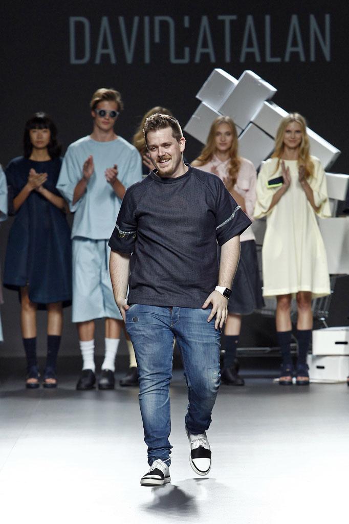 David Catalán gana el Samsung EGO por su colección 'Coverless'