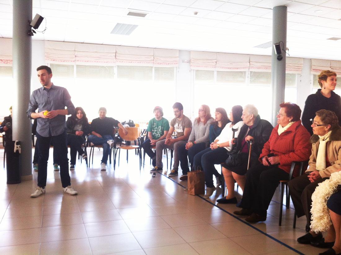 Grupo de trabajo con alumnos de Producto para mejorar la vida de las personas mayores