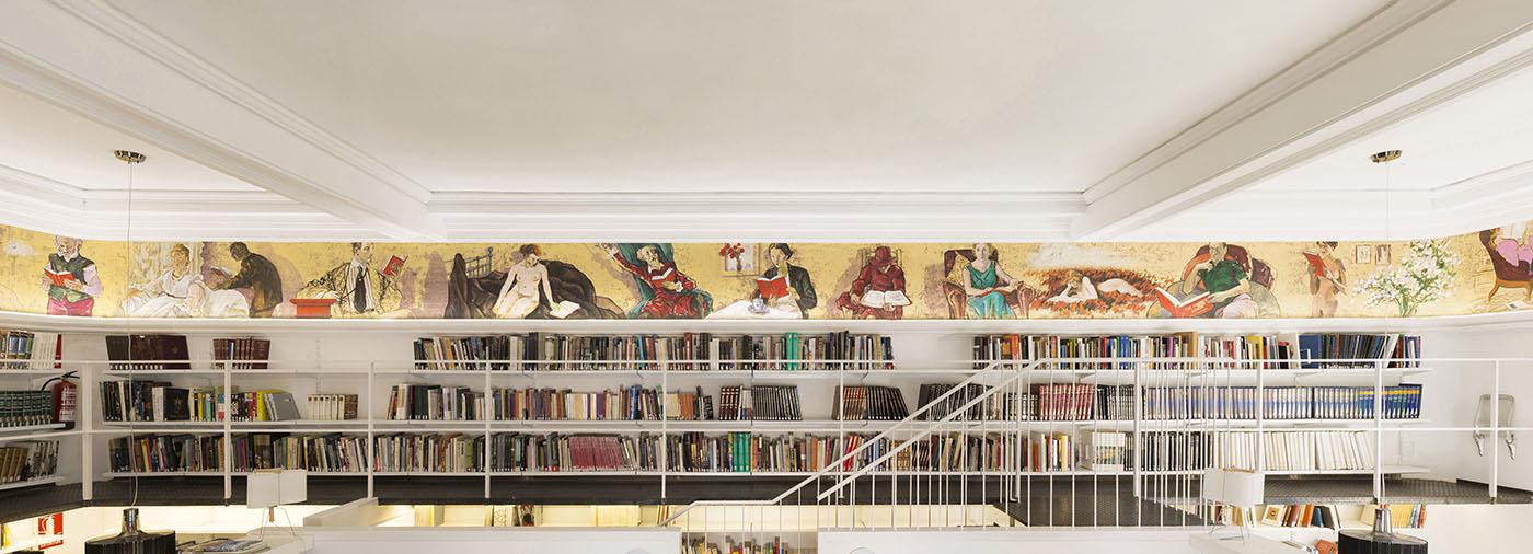 Biblioteca de la Esdir: Mural del Friso y zona de lectura