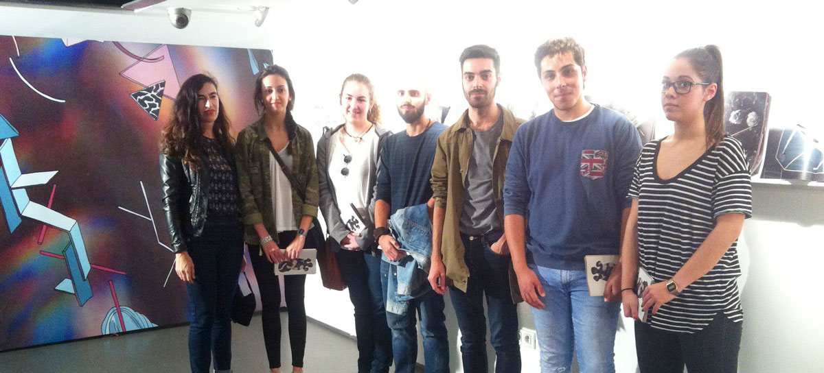 Los alumnos de Narrativa gráfica visitan la exposición de Andrés Tena en el IRJ