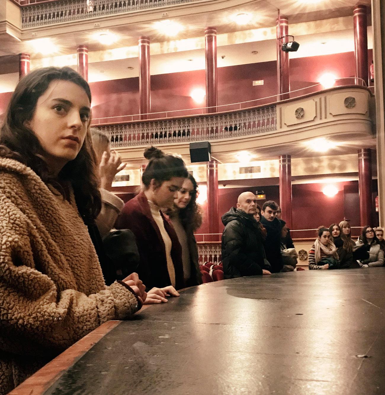 Escenografía de Diseño de Interiores en el Teatro Bretón