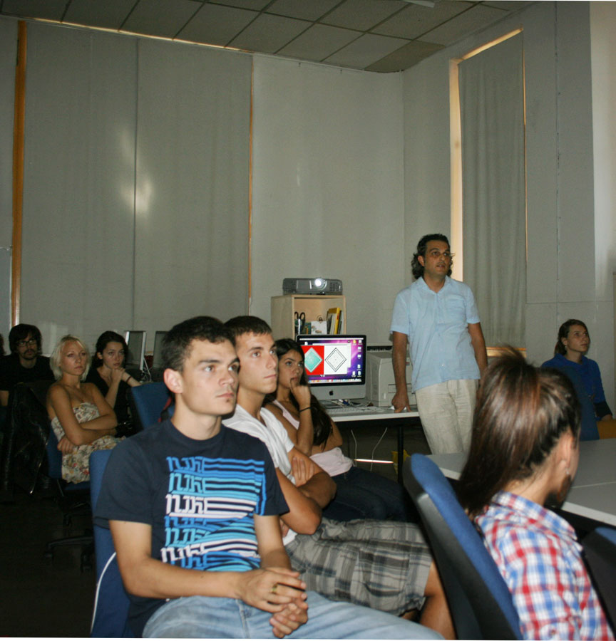 Visita y taller del profesor Enis Timuçin Tan en 3º de Diseño Gráfico