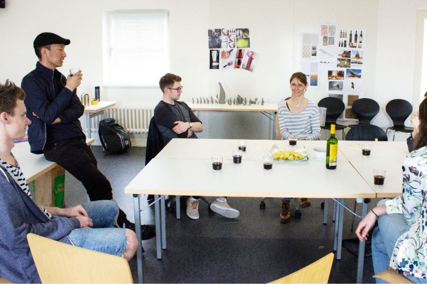 """Taller didáctico """"Reinvent the wine bottle"""" en la Universidad MUTHESIUS"""